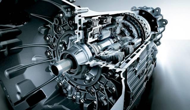 トランスミッションは、 7段ATである7G Tronic Plusを採用