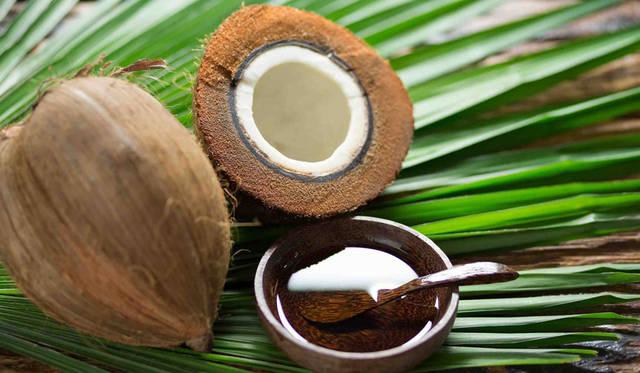 "<strong>COCO ORGANICS|ココオーガニック</strong><br />""もっとも酸化しにくい油=ココナッツオイル""のなかでも極上のナイジェリア産オイルを使用"