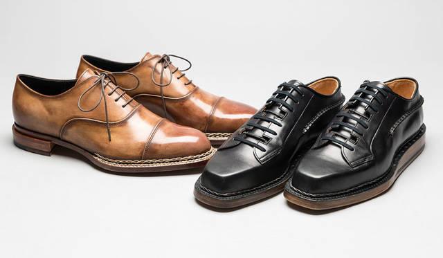 <strong>ISETAN MEN'S|イセタンメンズ</strong><br />伊勢丹新宿店メンズ館地下1階=紳士靴売場「JAPAN靴博2015」 左/「MIHARAYASUHIRO」モデル「ストレートチップ」(サイズ26.5cm)、右/「Makoto Taguchi」モデル「Extreme Leather Shoes Low」(価格はともに未定)