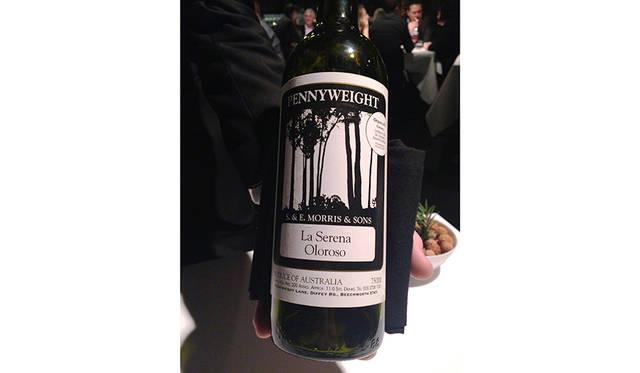 ここでなんとシェリーが登場。ビーチワースの片隅にある、かなり個性的なワインで通っているワインメーカーによるものだ