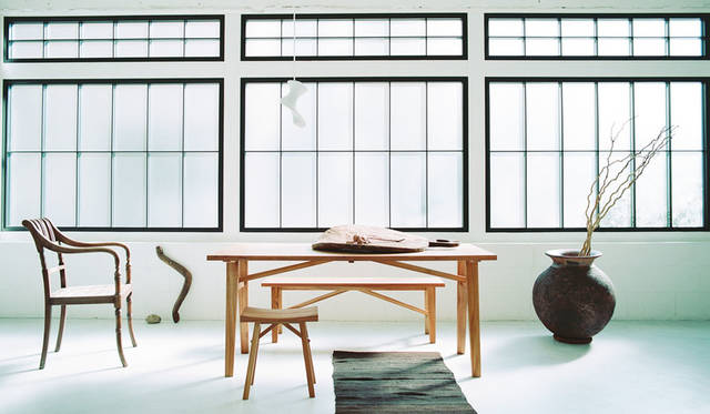 "<strong>ID&#201;E|イデー</strong><br />イデー新作家具展示会「""New Paysan""ID&#201;E New Furniture Exhibtion 2015AW」 世界の3大銘木の一つに数えられるチーク無垢材を使用した家具シリーズ「BOSQUET(ボスケ)」シリーズ"