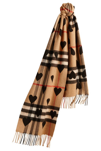 The-Classic-Cashmere-Scarf-in-Check-and-Hearts-Black