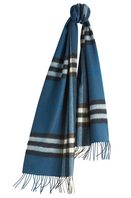 The-Classic-Cashmere-Scarf-in-Check-Marine-Blue