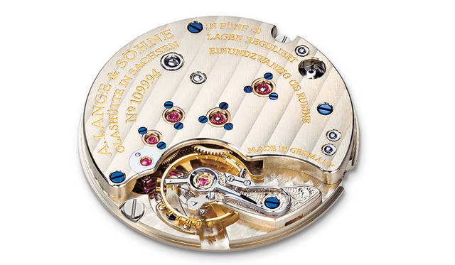 <strong>サクソニア</strong> ケース|ピンクゴールド、ホワイトゴールド 直径|37mm 厚さ|7.8mm ムーブメント|手巻き(Cal.L941.1) 振動数|2万1600振動/時 パワーリザーブ|約45時間 防水|3気圧 機能|ストップセコンド機能 発売中(ブティック限定) 価格|200万円(ピンクゴールド)、211万円(ホワイトゴールド)