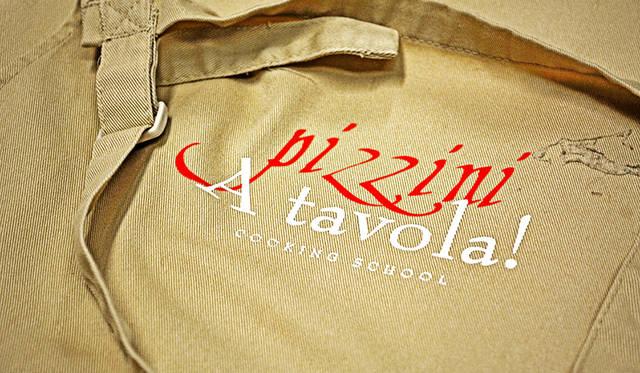 "<a href=""/article/1409622/3"" class=""link_underline"">Pizzini</a>のカトリーナ夫人による「A Tavola!」クッキングスクール。すぐに予約で埋まる人気ぶりだ"