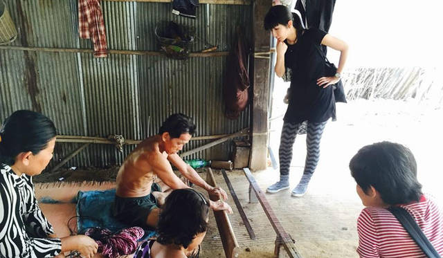 新作ヨガマット「CANTEIL SOKAPIAP」 カンボジア現地での確認