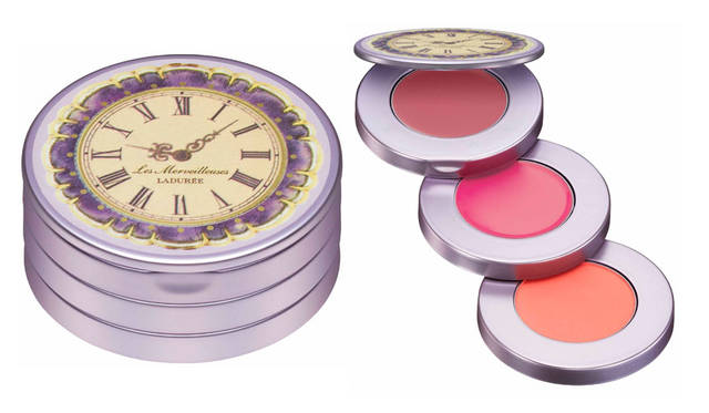 <strong>Les Merveilleuses LADUR&#201;E|レ・メルヴェイユーズ ラデュレ</strong><br />2015 HOLIDAY COLLECTION 「メイクアップ コフレ」4860円