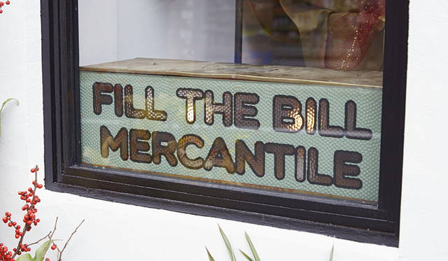 <strong>FILL THE BILL|フィル ザ ビル</strong><br />ショップ「FILL THE BILL MERCANTILE」