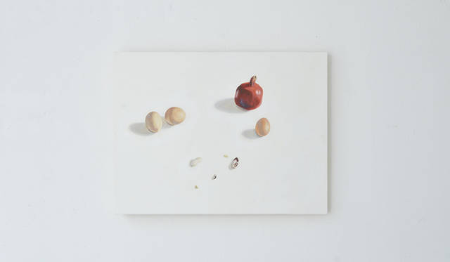 <strong>Jessica Niello(ジェシカ・ニエロ)</strong><br><br>カリフォルニア州オークランドを拠点に活動する、陶芸家、画家。 東洋と西洋両方の技術に造詣が深く、機能美とシンプリシティを追求する彼女は、 日々の目にする景色や、日常のなかでの移ろいからインスピレーションを汲み取っているという。 最近では、おなじくオークランドで人気を博すヌードルバー「RAMEN SHOP」との協働でテーブルウェアを製作。 バークレーアートミュージアムでのグループ展「The Possible」に出展するなど精力的な活動をおこなう