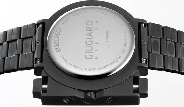 <strong>セイコー×ジウジアーロ・デザイン SCED037</strong><br /> ケース|ステンレススチール(ブラック硬質コーティング)<br /> 直径|41.8mm<br /> 厚さ|10.8mm<br /> ムーブメント|クォーツ<br /> 機能|クロノグラフ(1/5秒計測、60分積算計)。24時針<br /> ブレスレット|ステンレススチール(ブラック硬質コーティング)<br /> 防水|10気圧<br /> 限定数|3000本<br /> 価格|3万8880円