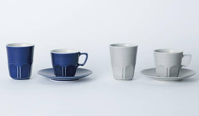 400年にわたり宇治でお茶にかかわる器を作っている窯元、朝日焼に別注したオリジナルの磁器シリーズ。ギフトにすれば、贈られた人の豊かなティータイムが目に浮かぶよう。カップ各 8640円、カップ&ソーサー各1万6200円