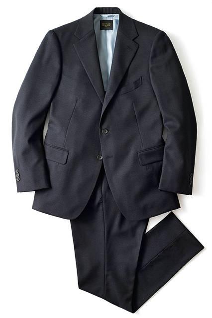 スーツ9万5000円(エディフィス)