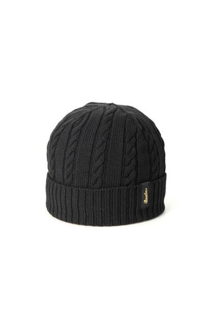 ケーブル編みのブラック。専用箱付き。価格1万9440円
