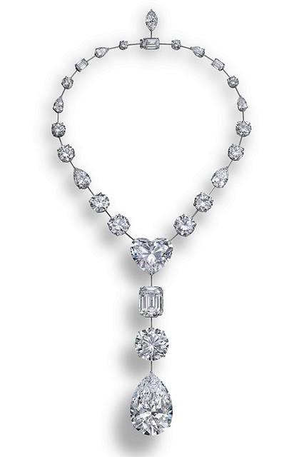 史上6番目に大きな1つの原石から研磨された26個のDカラー、フローレスダイヤモンドでつくられた豪華なネックレス<br><br> <strong>ザ・レソトプロミス・ネックレス</strong><br> 素材 ホワイトゴールド×ダイヤモンド(合計223.35ct)<br>