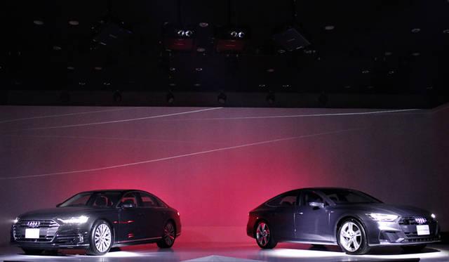 Audi A8|アウディA8(左)<br>Audi A7 Sportback|アウディ A7 スポーツバック(右)