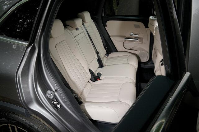 Mercedes-Benz GLA  メルセデス・ベンツGLA