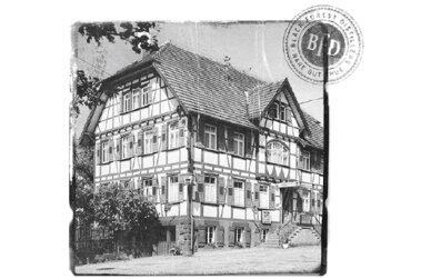 1951年当時、モンゴメリー・コリンズ氏が拠点としたブラックフォレストの家屋。