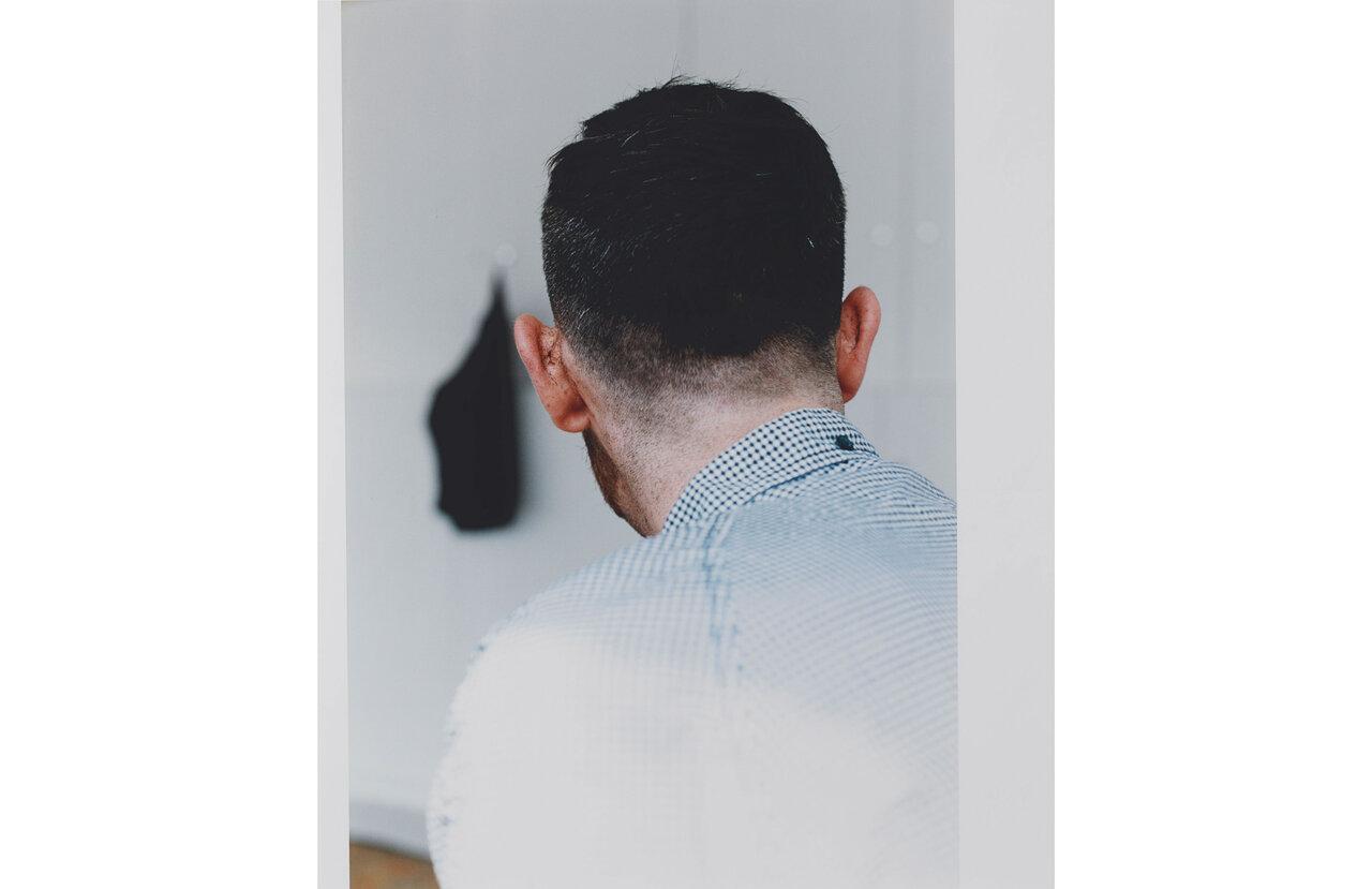 Wolfgang Tillmans, Hair Cut, 2007  Tirage couleur chromogene brillant  Glossy Chromogenic Color Print  61 x 50.8 cm   © Wolfgang Tillmans