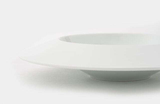 小宮山雄飛が監修したカレー皿「zen to Y・K」