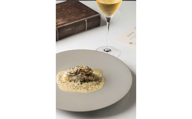 平目のヴァプールと牡蠣 シャンパンキャビアソース