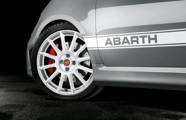 Abarth 595 esseesse アバルト595 エッセエッセ  Abarth 595C esseesse アバルト595C エッセエッセ