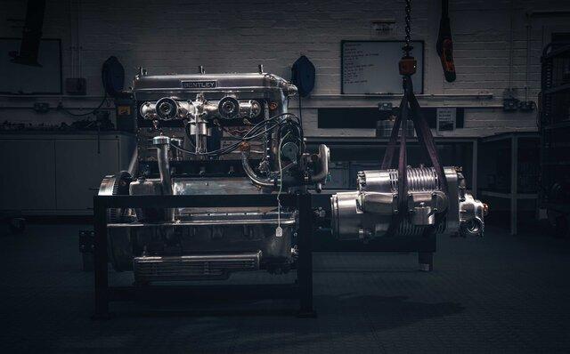 ベントレー、サロン・プリヴェでマリナーが手掛けた3台を世界初披露|BENTLEY