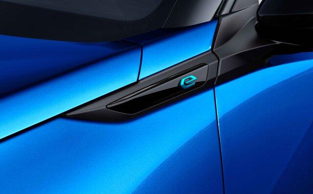 初のフルモデルチェンジを迎えたプジョーのコンパクトSUV「SUV 2008」が日本に上陸|Peugeot