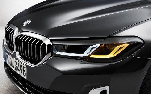 マイナーチェンジを受けた新型BMW5シリーズのセダンとツーリングが発売 BMW