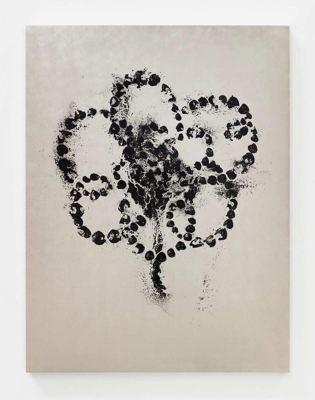 Jean-Michel OTHONIEL Kiku - Kokushokuiro (black), black ink on white gold leaf, 164 x 124 x 5 cm © Jean-Michel Othoniel / JASPAR, Tokyo 2020 Photo: Claire Dorn / Courtesy of the artist and Perrotin
