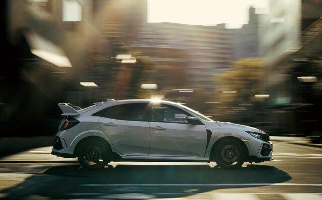 シビックがサーキット走行性能を進化させるマイナーチェンジ|HONDA
