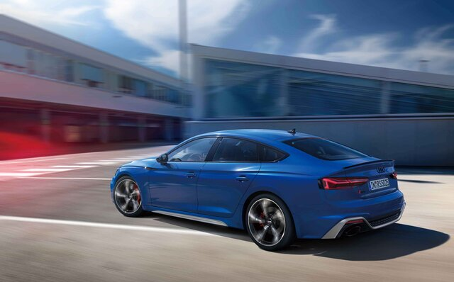 RS 4モデルがよりスポーティなエクステリアにブラッシュアップ|Audi