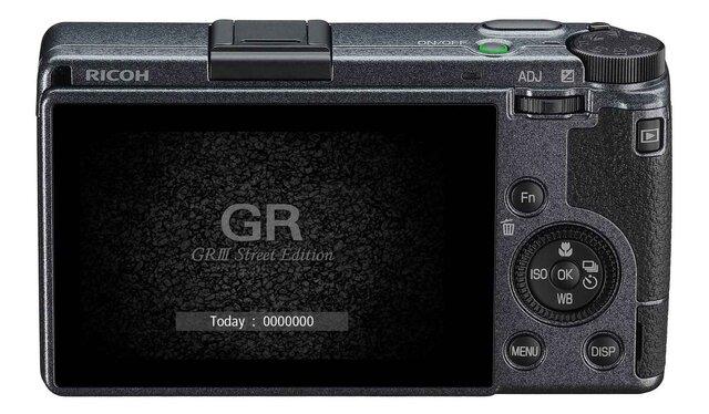 「GR」シリーズ最高峰のモデルがメタリックグレー塗装の特別仕様に|RICOH