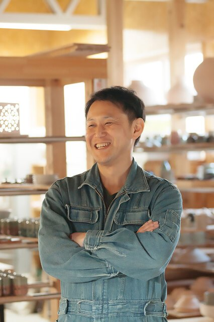 陶徳(すえとく)窯 10 代目の 陶正徳氏