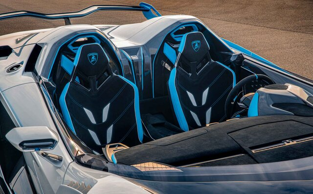 ランボルギーニ、スクアドラ・コルセが手掛けた公道仕様のオープントップレーシングカー「SC20」発表|Lamborghini