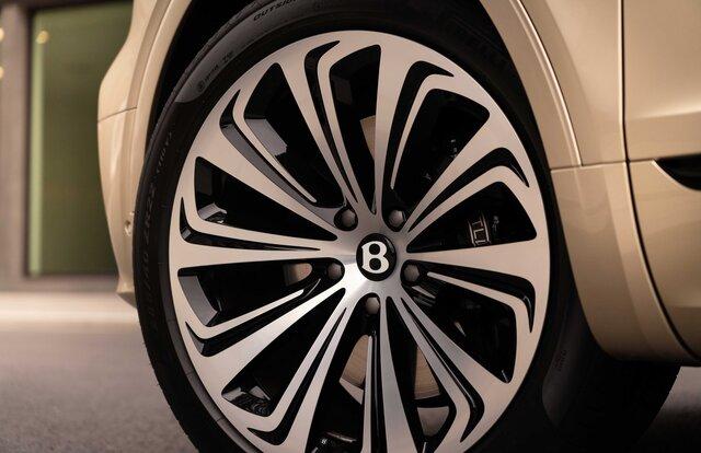 ベントレー、ベンテイガのPHEVモデルを発表|Bentley