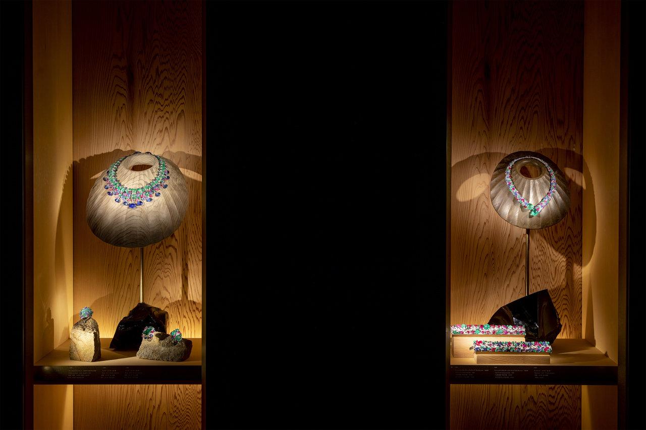 展示風景 第1章 ネックレス 新素材研究所 © N.M.R.L/Hiroshi Sugimoto + Tomoyuki Sakakida