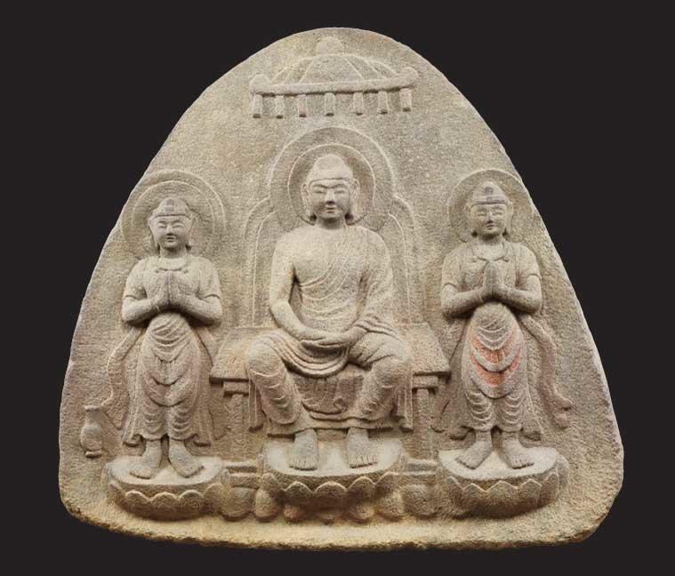 重要文化財 浮彫伝薬師三尊像 飛鳥~奈良時代・7~8世紀 奈良・石位寺蔵。