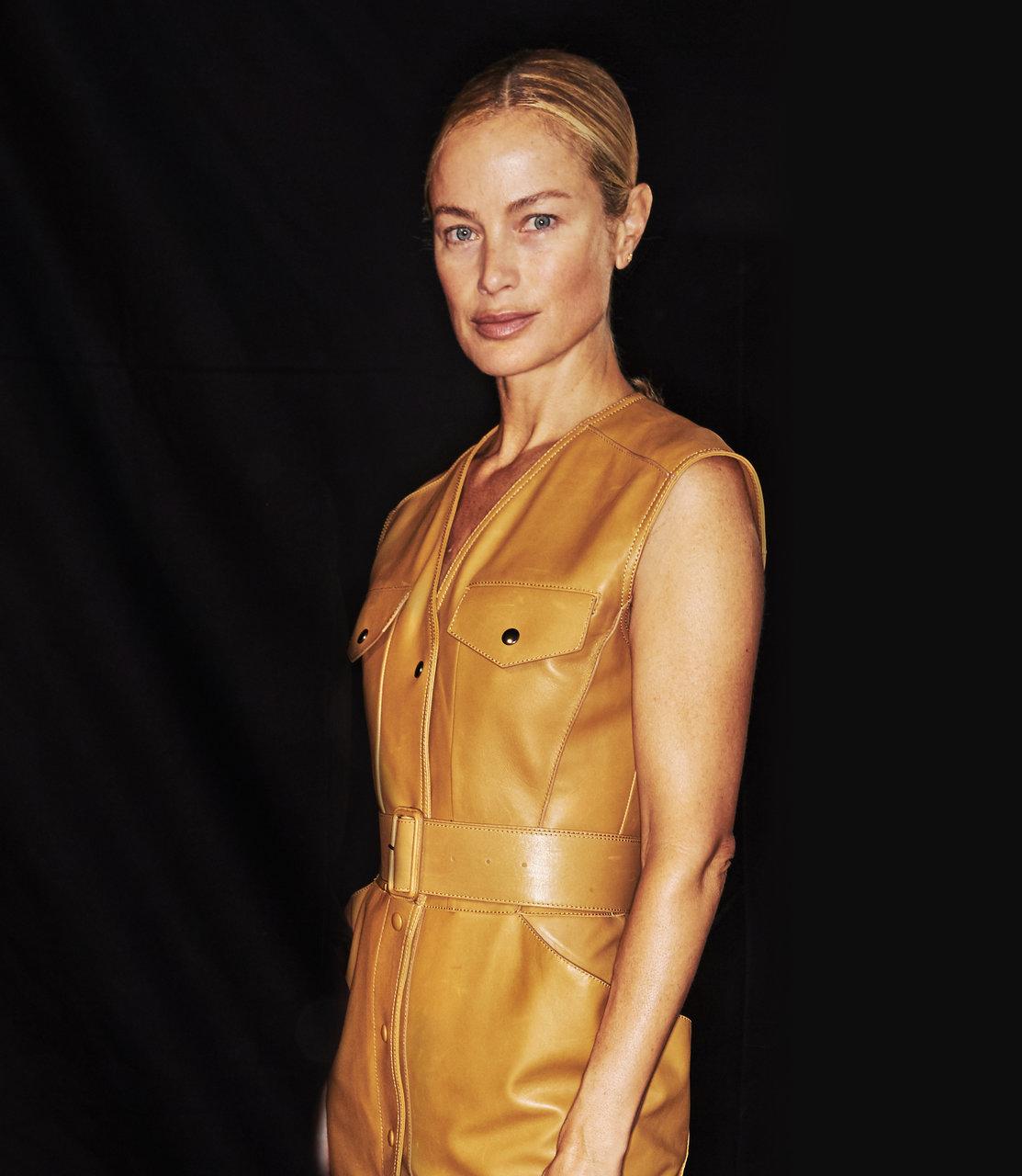 キャロリン・マーフィー 1980-90年代のスーパーモデル全盛期を築いたモデルの1人。アメリカン・ビューティと評される美貌で、今もなおトップモデルに君臨する。2000年に生まれた娘、Dylan Blue(ディラン・ブルー)がいる。