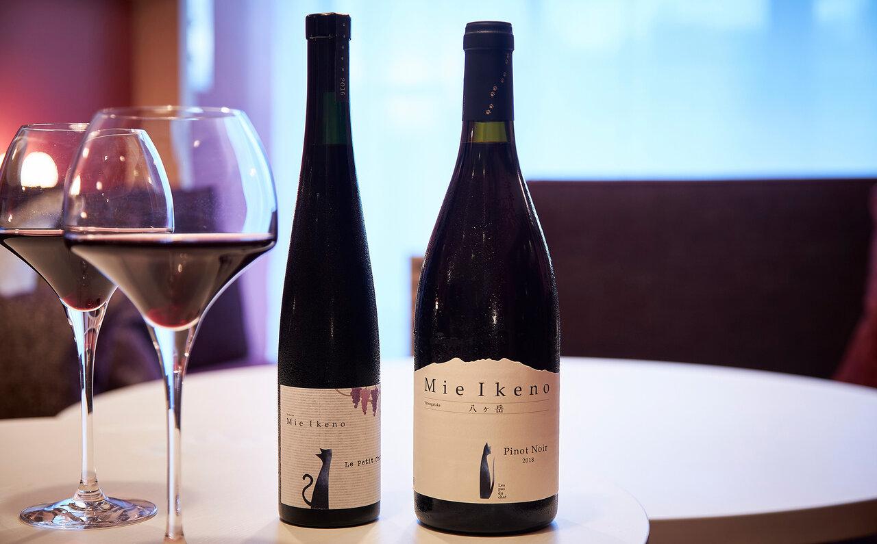 「ドメーヌ ミエ・イケノ」のハーフボトルなど、ここでしか飲めないワインも用意されているので、ぜひチェックを。