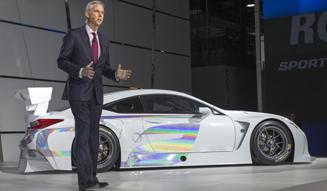 Lexus RC F GT3コンセプトとブラッケン氏