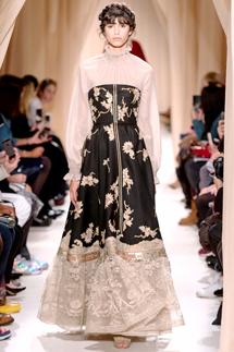萩原輝美 連載 vol.122|うっとりメゾン・ヴァレンティノが魅せた珠玉のドレス