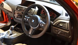 BMW 118i|ビー・エム・ダブリュー 118i