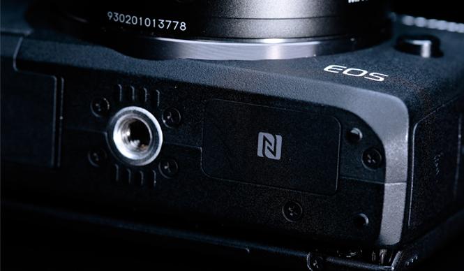 NFCに対応するキヤノン「EOS M3」