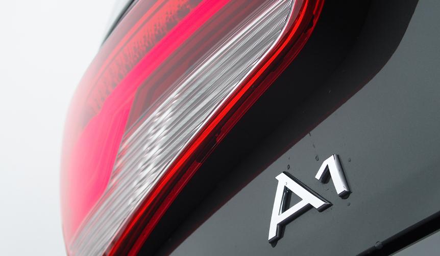 Audi A1 Sportback アウディ A1 スポーツバック