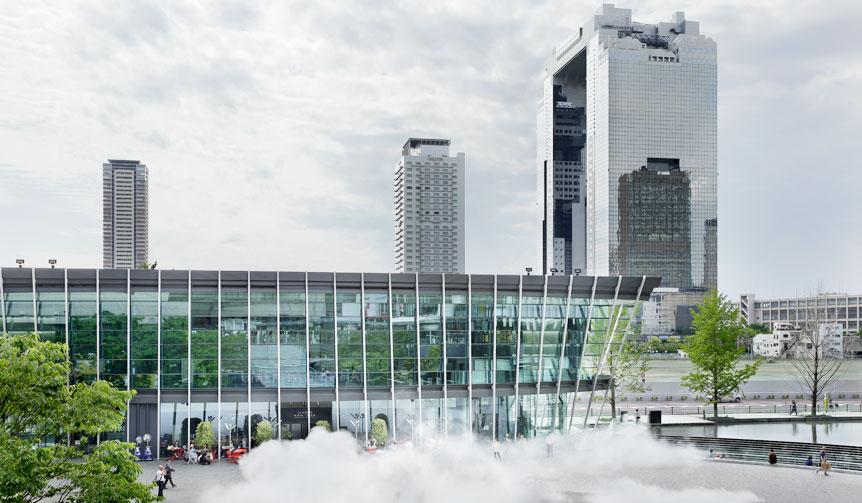 大阪駅前のうめきたシップホール