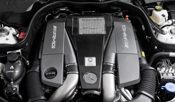アストンマーティンに供給されるメルセデスAMGのエンジン