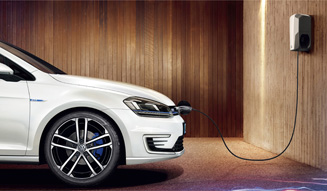 327_06_Volkswagen_Golf_GTE