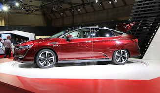 s_037_Honda-clarity-fuel-cell_a