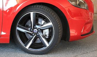 VOLVO V40 D4 R-Design ボルボ V40 D4 R-デザイン