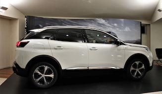 1_Peugeot-3008